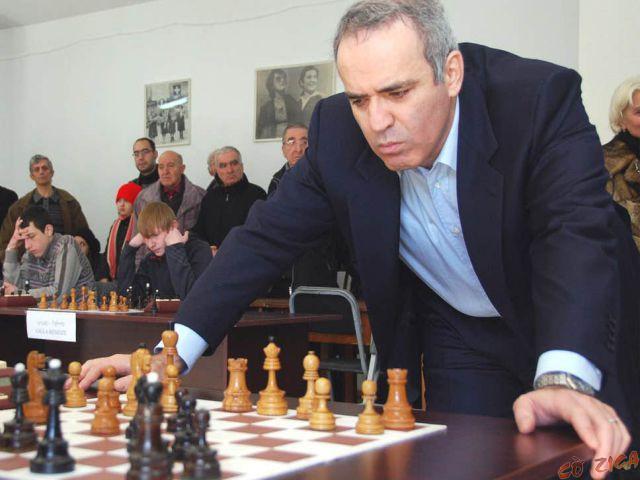 Chân dung vua cờ thế giới - Garry Kasparov